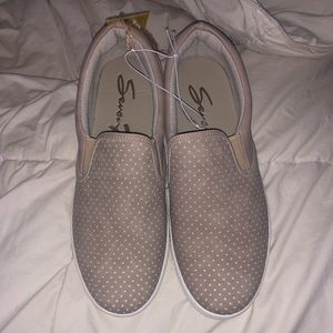 SEVEN7 slip on shoes